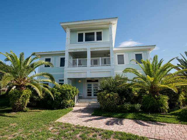 /listing-single-family-home-in-elbow-cay-28544.html from Coldwell Banker Bahamas Real Estate