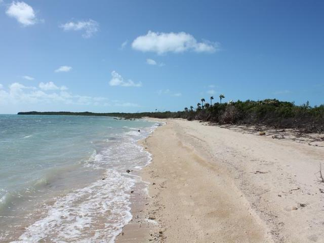 /listing-lots-acreage-in-salt-pond-31533.html from Coldwell Banker Bahamas Real Estate