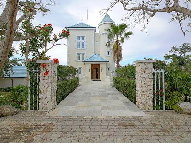 /listing-single-family-home-in-lyford-cay-28576.html from Coldwell Banker Bahamas Real Estate