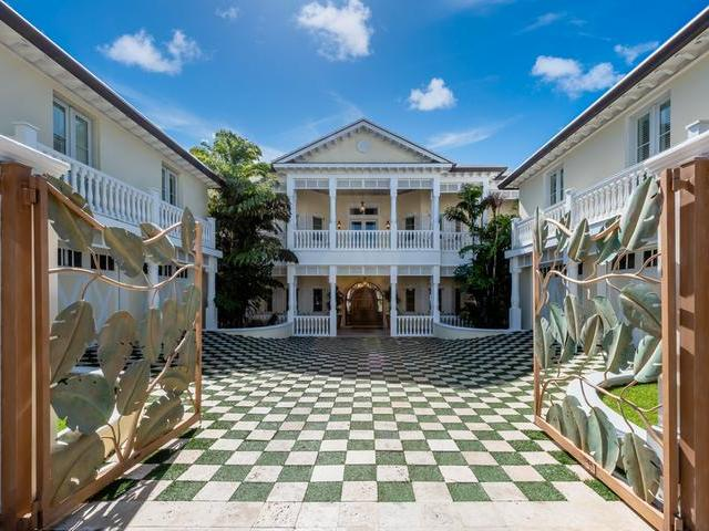 /listing-single-family-home-in-paradise-island-28044.html from Coldwell Banker Bahamas Real Estate