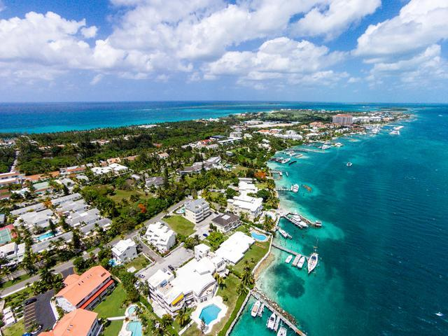 /listing-condo-in-paradise-island-33201.html from Coldwell Banker Bahamas Real Estate