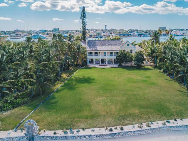 /listing-single-family-home-in-paradise-island-29364.html from Coldwell Banker Bahamas Real Estate