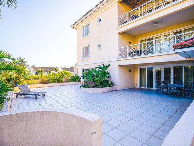 /listing-condo-in-paradise-island-29406.html from Coldwell Banker Bahamas Real Estate
