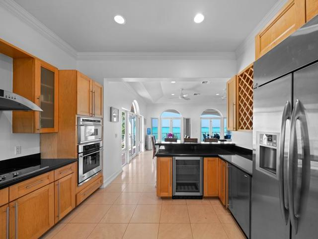 /listing-single-family-home-in-february-point-33420.html from Coldwell Banker Bahamas Real Estate