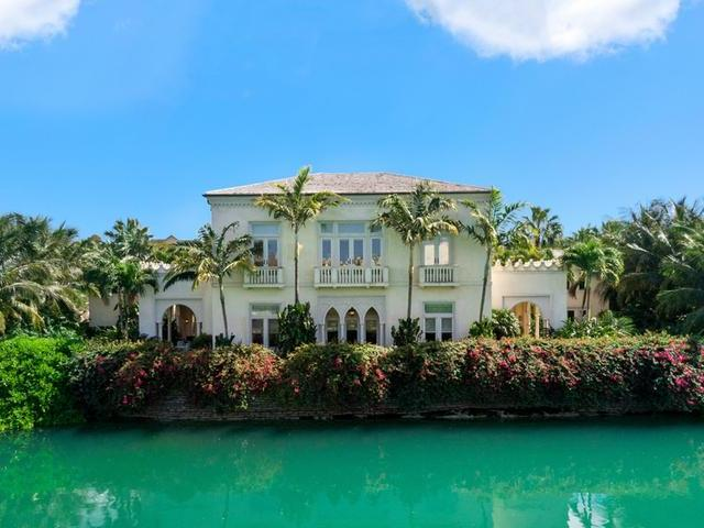 /listing-single-family-home-in-old-fort-bay-29372.html from Coldwell Banker Bahamas Real Estate