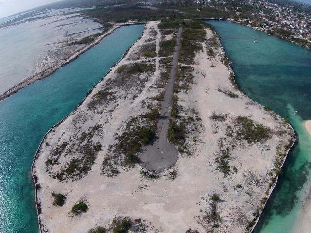 /listing-lots-acreage-in-yamacraw-29371.html from Coldwell Banker Bahamas Real Estate
