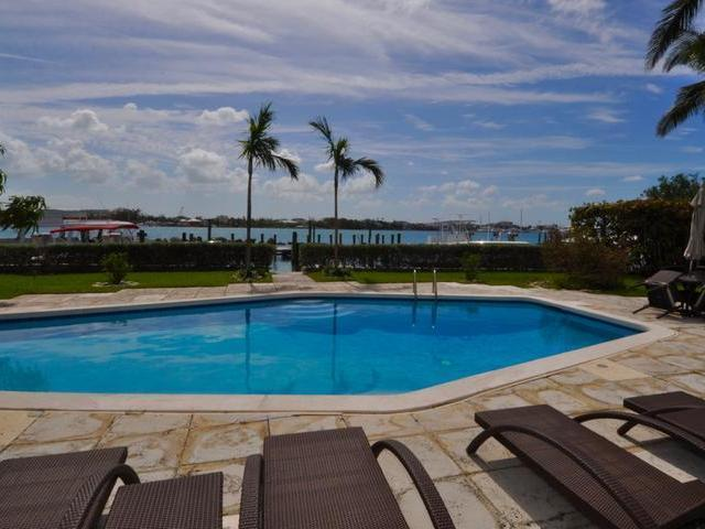 /listing-condo-in-paradise-island-33413.html from Coldwell Banker Bahamas Real Estate