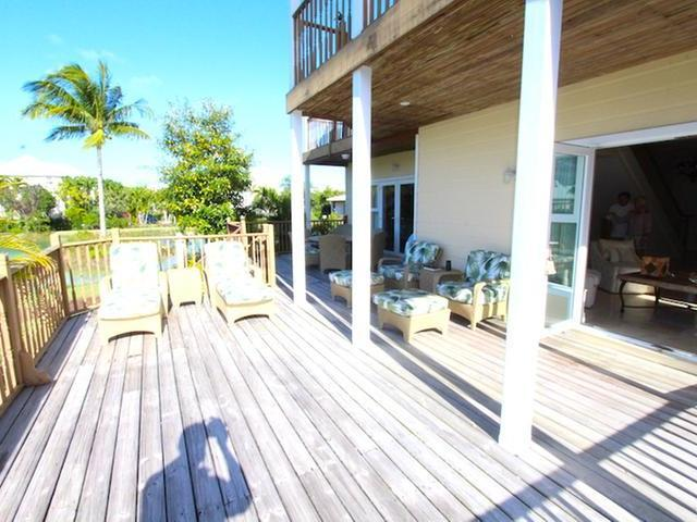 /listing-single-family-home-in-lucaya-33737.html from Coldwell Banker Bahamas Real Estate