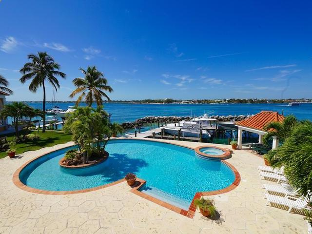 /listing-apartment-complex-in-paradise-island-29819.html from Coldwell Banker Bahamas Real Estate