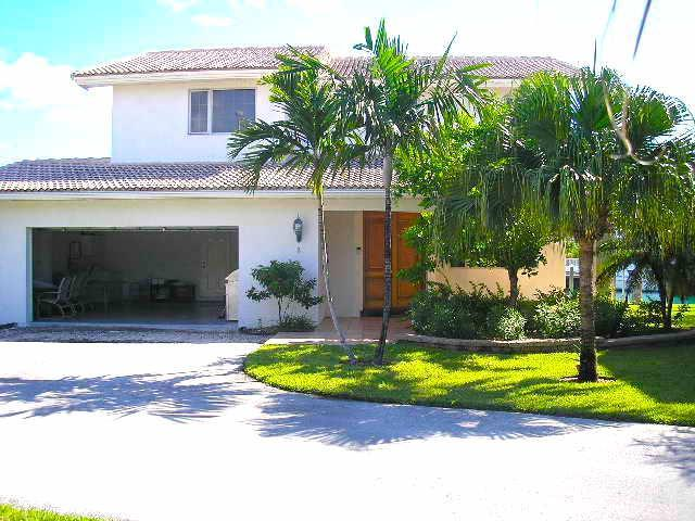 /listing-single-family-home-in-bahama-reef-yacht-country-club-29678.html from Coldwell Banker Bahamas Real Estate