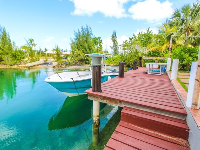 /listing-single-family-home-in-queens-cove-29865.html from Coldwell Banker Bahamas Real Estate