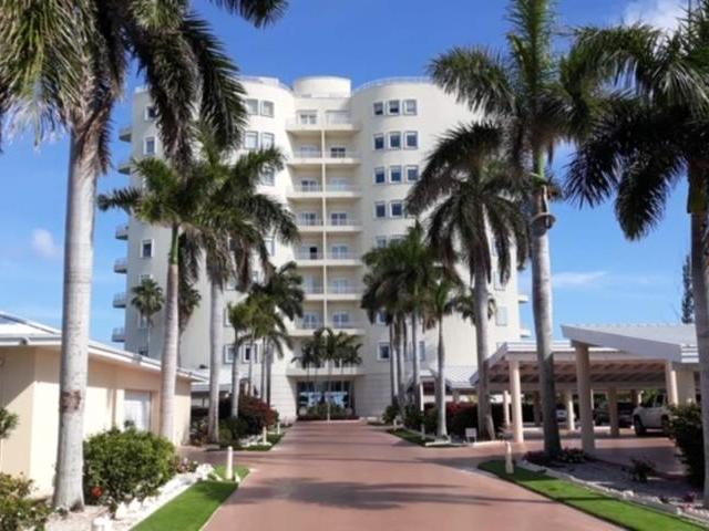 /listing-condo-in-lucaya-30732.html from Coldwell Banker Bahamas Real Estate
