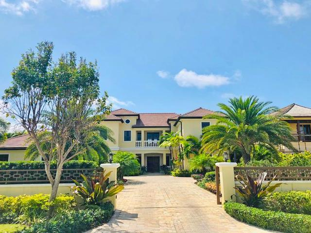 /listing-single-family-home-in-old-fort-bay-33557.html from Coldwell Banker Bahamas Real Estate