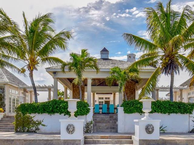 /listing-single-family-home-in-windermere-island-30064.html from Coldwell Banker Bahamas Real Estate