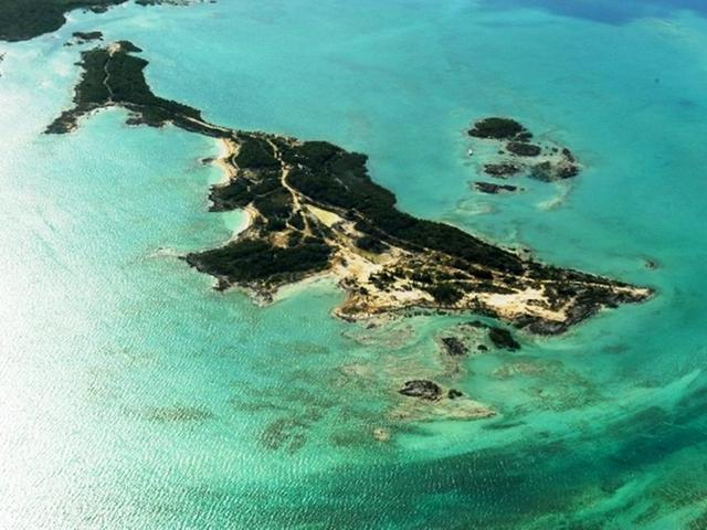 /listing-private-island-in-harbour-island-30122.html from Coldwell Banker Bahamas Real Estate