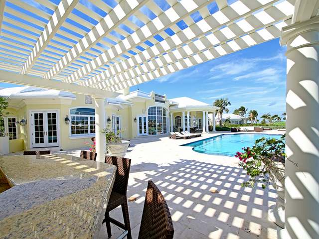 /listing-single-family-home-in-paradise-island-30071.html from Coldwell Banker Bahamas Real Estate