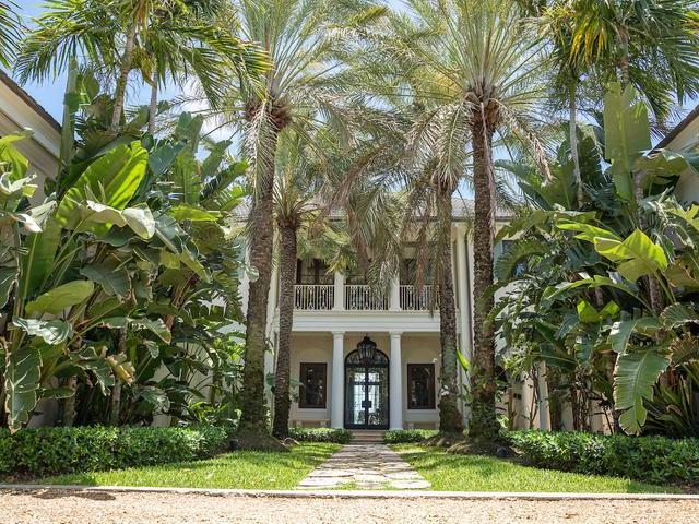 /listing-single-family-home-in-paradise-island-30379.html from Coldwell Banker Bahamas Real Estate
