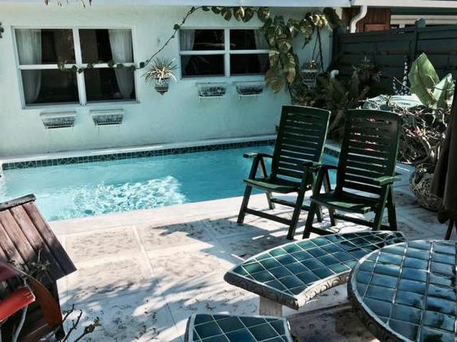 /listing-single-family-home-in-paradise-island-30157.html from Coldwell Banker Bahamas Real Estate