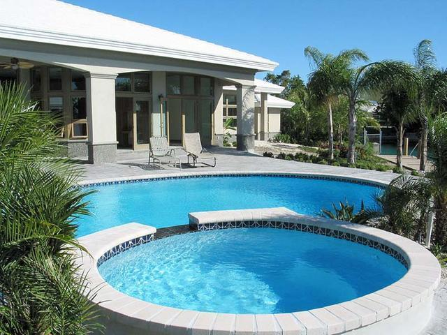 /listing-single-family-home-in-fortune-bay-30169.html from Coldwell Banker Bahamas Real Estate
