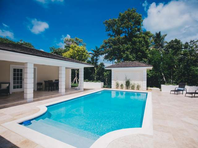/listing-single-family-home-in-lyford-cay-30388.html from Coldwell Banker Bahamas Real Estate