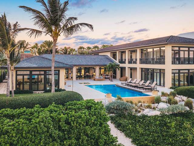 /listing-single-family-home-in-paradise-island-30650.html from Coldwell Banker Bahamas Real Estate