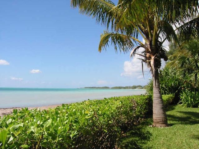 /listing-lots-acreage-in-fortune-beach-33631.html from Coldwell Banker Bahamas Real Estate