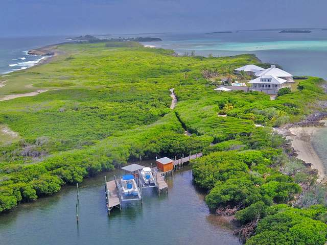 /listing-single-family-home-in-tilloo-cay-34422.html from Coldwell Banker Bahamas Real Estate