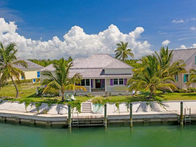/listing-single-family-home-in-schooner-bay-39057.html from Coldwell Banker Bahamas Real Estate