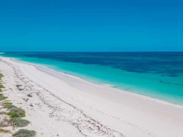 /listing-lots-acreage-in-windermere-island-30976.html from Coldwell Banker Bahamas Real Estate
