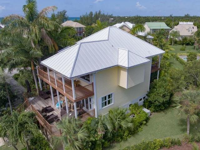 /listing-single-family-home-in-fortune-beach-31061.html from Coldwell Banker Bahamas Real Estate