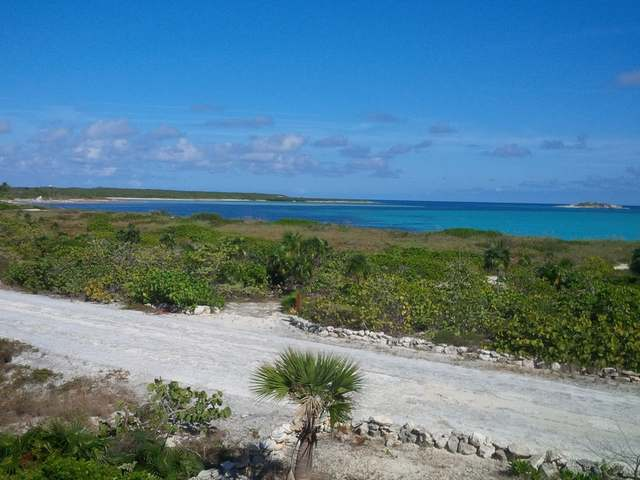 /listing-single-family-home-in-columbus-landings-31425.html from Coldwell Banker Bahamas Real Estate