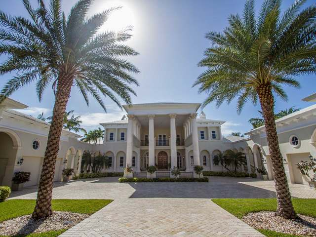 /listing-single-family-home-in-paradise-island-31430.html from Coldwell Banker Bahamas Real Estate