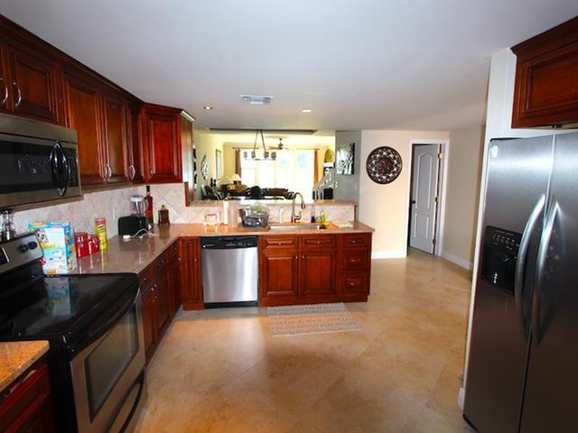 /listing-condo-in-bell-channel-31495.html from Coldwell Banker Bahamas Real Estate