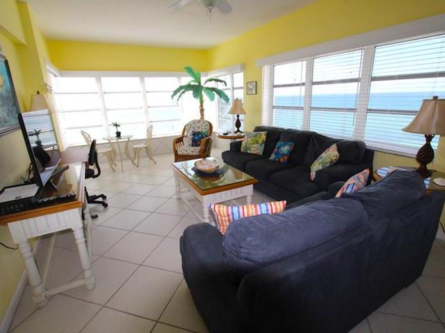 /listing-condo-in-lucaya-31577.html from Coldwell Banker Bahamas Real Estate