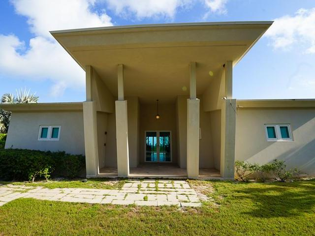 /listing-single-family-home-in-governors-harbour-31747.html from Coldwell Banker Bahamas Real Estate