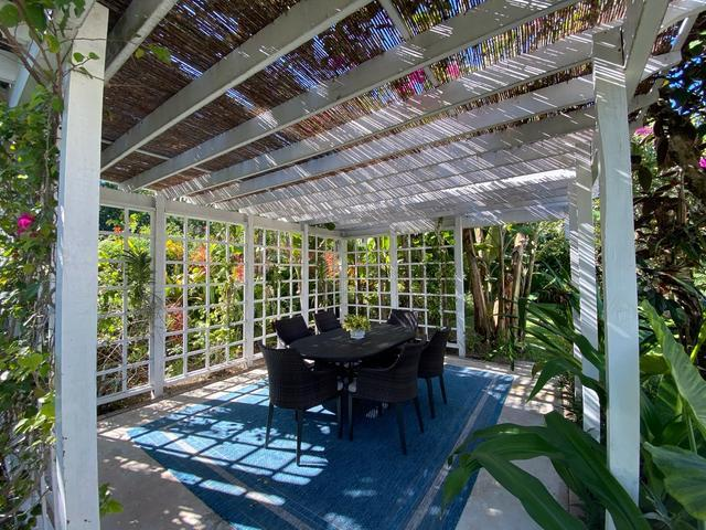 /listing-single-family-home-in-lyford-cay-31829.html from Coldwell Banker Bahamas Real Estate