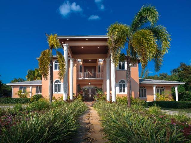 /listing-single-family-home-in-westridge-34155.html from Coldwell Banker Bahamas Real Estate