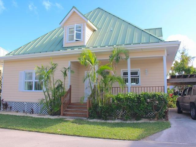 /listing-single-family-home-in-fortune-beach-32298.html from Coldwell Banker Bahamas Real Estate