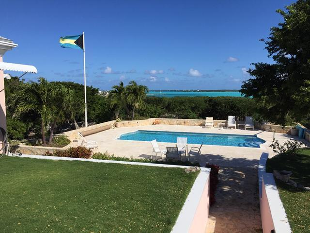 /listing-single-family-home-in-flamingo-bay-32322.html from Coldwell Banker Bahamas Real Estate