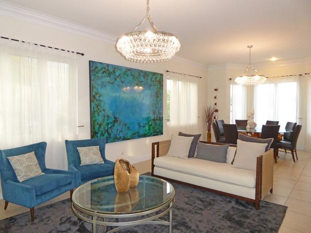 /listing-single-family-home-in-paradise-island-32393.html from Coldwell Banker Bahamas Real Estate