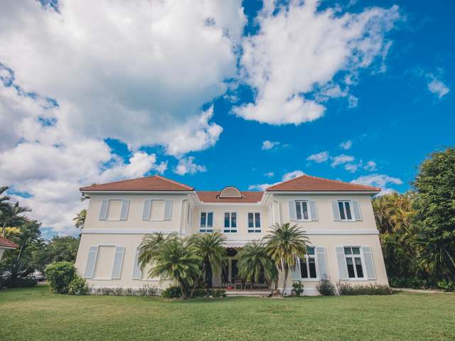 /listing-single-family-home-in-lyford-cay-32535.html from Coldwell Banker Bahamas Real Estate