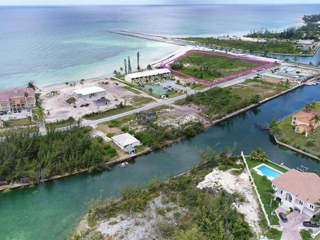 /listing-lots-acreage-in-bahama-terrace-yacht-country-club-32622.html from Coldwell Banker Bahamas Real Estate