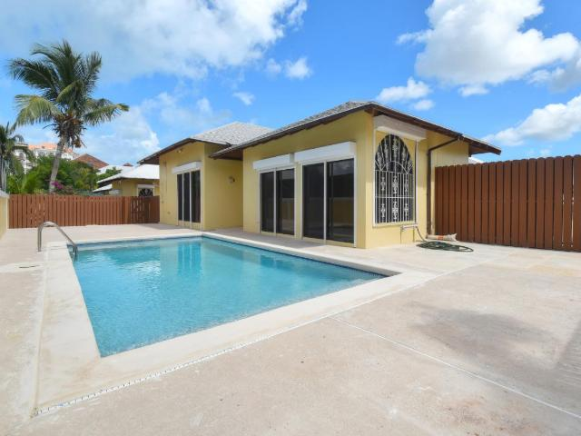 /listing-half-duplex-in-paradise-island-32656.html from Coldwell Banker Bahamas Real Estate