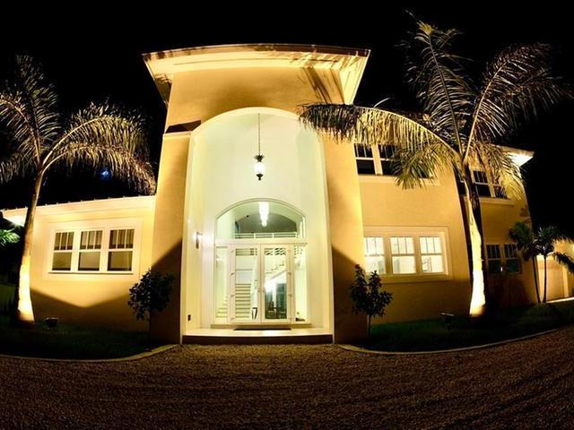 /listing-single-family-home-in-fortune-bay-32773.html from Coldwell Banker Bahamas Real Estate