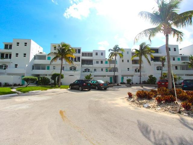 /listing-condo-in-bahama-terrace-yacht-country-club-33003.html from Coldwell Banker Bahamas Real Estate