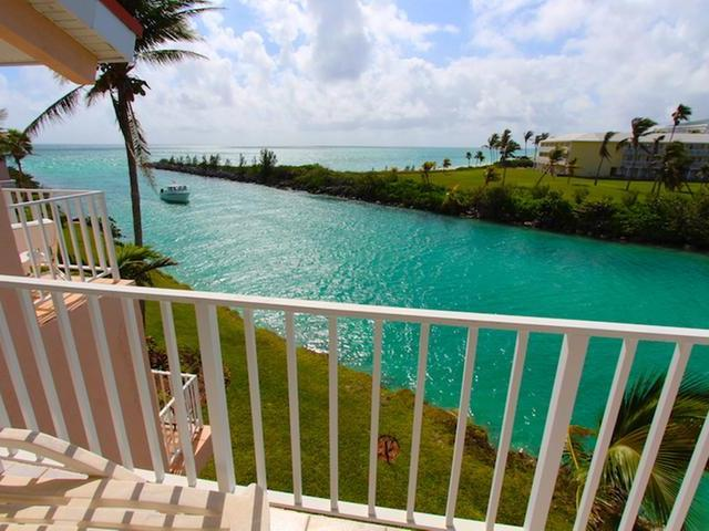 /listing-condo-in-bell-channel-33052.html from Coldwell Banker Bahamas Real Estate