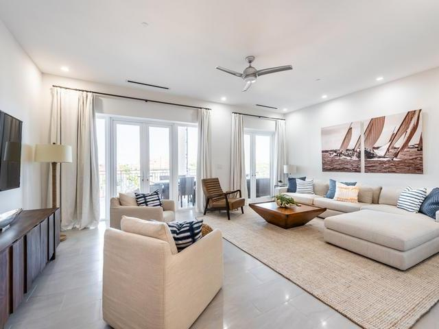 /listing-condo-in-paradise-island-33092.html from Coldwell Banker Bahamas Real Estate