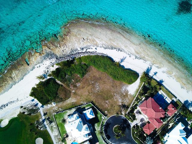 /listing-lots-acreage-in-paradise-island-33301.html from Coldwell Banker Bahamas Real Estate