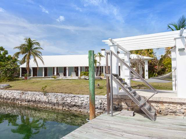 /listing-single-family-home-in-bell-channel-33246.html from Coldwell Banker Bahamas Real Estate