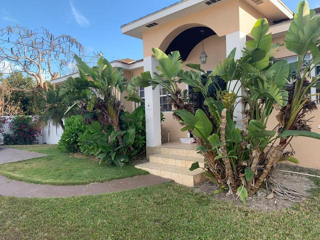 /listing-single-family-home-in-south-ocean-33370.html from Coldwell Banker Bahamas Real Estate